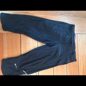 Nike crop leggings size M